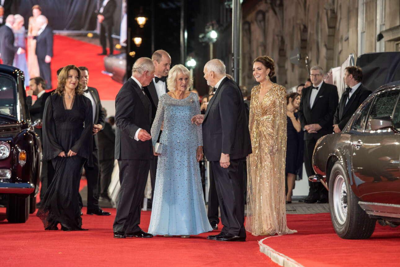 Η άφιξη του Καρόλου και της Καμίλα καθώς και του πρίγκιπα Γουίλιαμ και της συζύγου του Κέιτ, στο Royal Albert Hall
