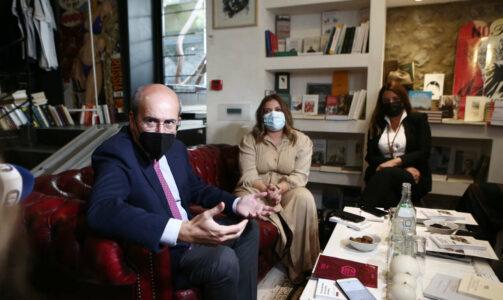 Χατζηδάκης: Κοινωνική πολιτική σε μια νέα διάσταση οι «νταντάδες της γειτονιάς»