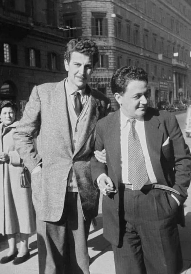 Με τον Μάνο Χατζιδάκι, στη Ρώμη το 1954