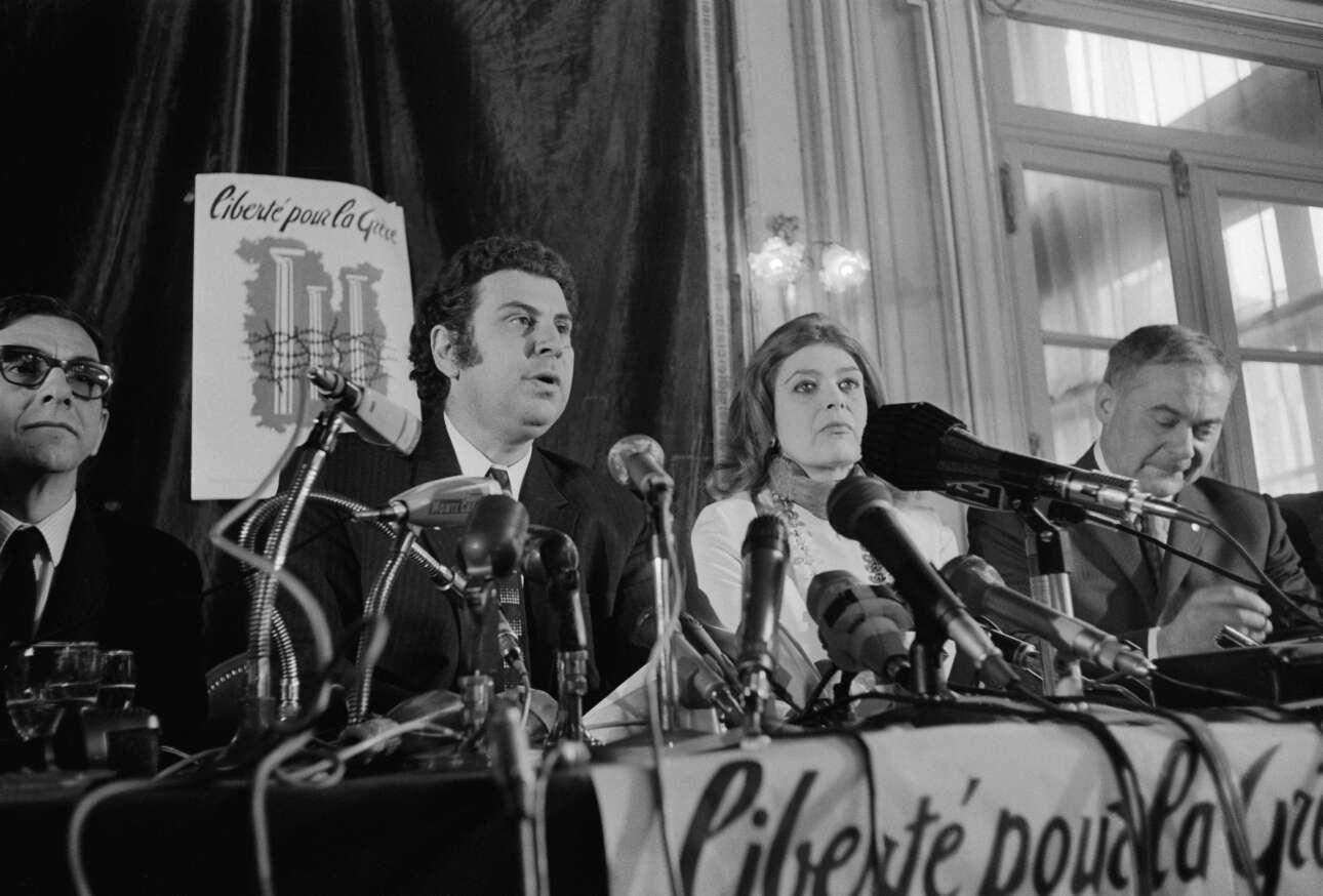 Απρίλιος 1970. Ο Μίκης και η Μελίνα δίνουν συνέντευξη Τύπου στο Παρίσι διεθνοποιώντας το θέμα της καταπίεσης του ελληνικού λαού από τη Χούντα