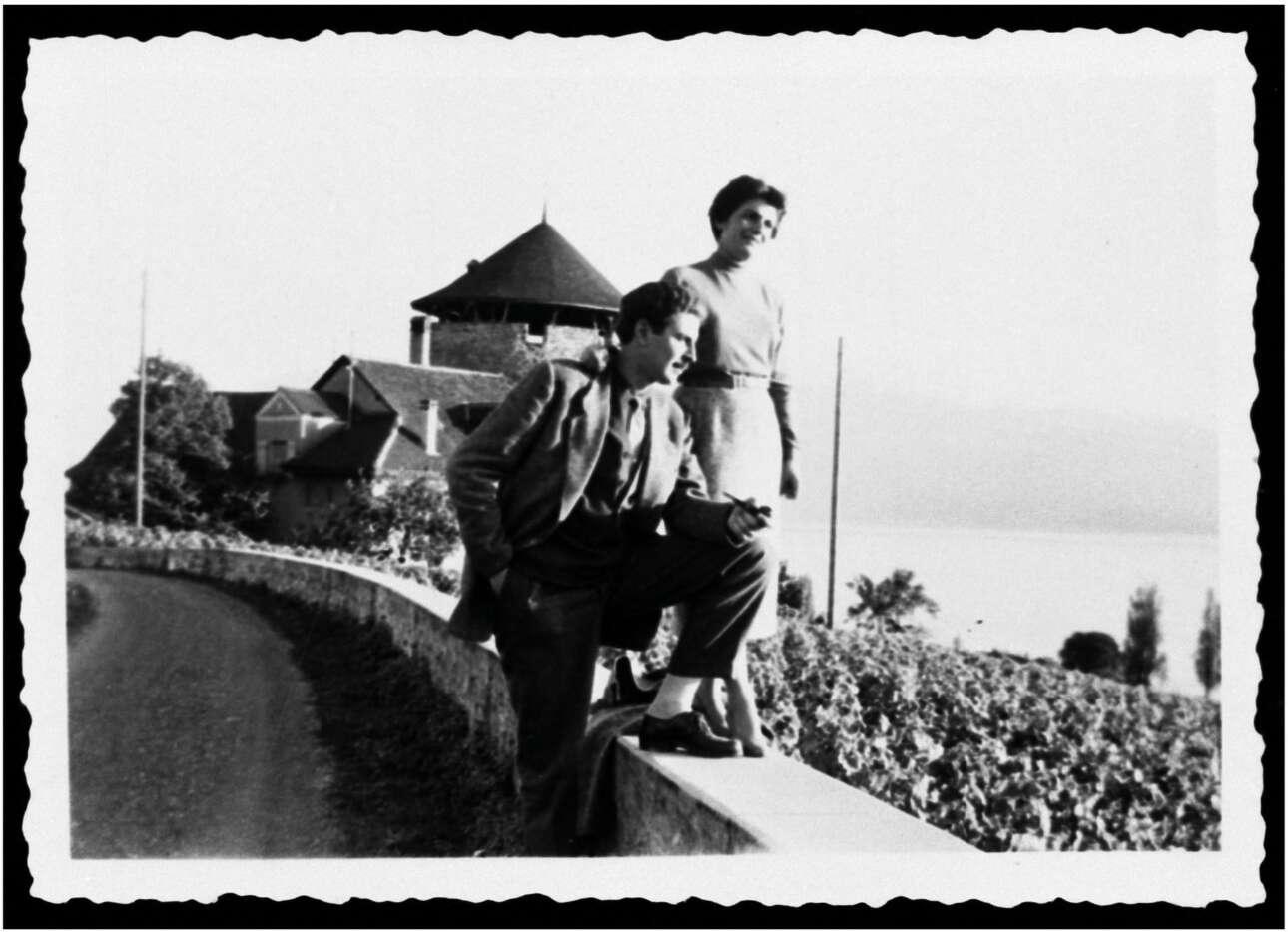 Με τη Μυρτώ στη Λωζάνη το 1954
